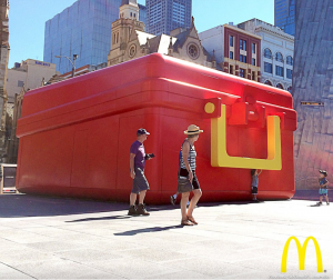 Pop up itinerante de McDonald's Australia.